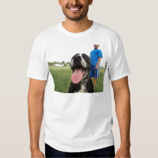 Terrier de pitbull americano un perro de la camiseta