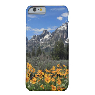 Tetons magnífico con las flores amarillas funda de iPhone 6 barely there