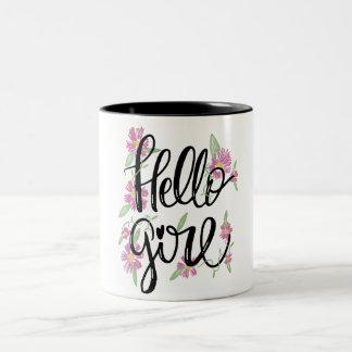 Texto con guión tipográfico floral del chica de taza de café de dos colores
