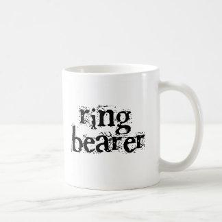Texto del negro del portador de anillo taza