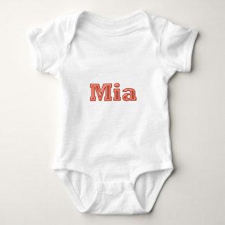 Texto   del nombre del chica de MIA Body Para Bebé
