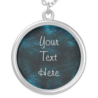 Textura abstracta de la nebulosa - azul collar plateado