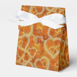 Textura anaranjada de la plantilla del corazón cajas para regalos de boda