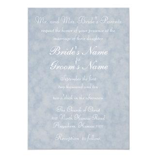 Textura azul con el boda del verso invitación 12,7 x 17,8 cm