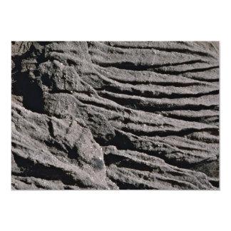 Texturas de la erosión del acantilado de la playa, invitación 12,7 x 17,8 cm