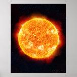 The Sun que muestra llamaradas solares contra una  Posters
