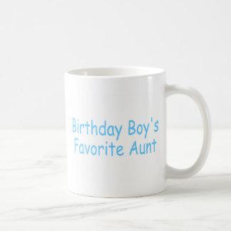 Tía del favorito de los muchachos del cumpleaños taza