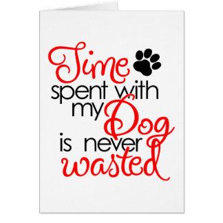 Tiempo del perro de la calidad tarjeta de felicitación