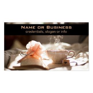 Tiempo del té con un buen libro tarjeta de negocio