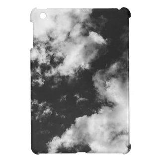 Tiempo nublado blanco y negro