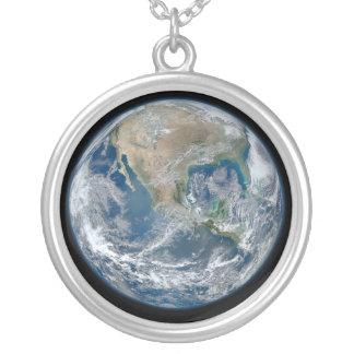 Tierra azul colgante redondo