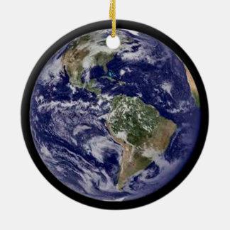 Tierra del planeta adorno navideño redondo de cerámica