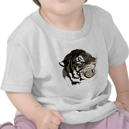Tigre blanco y negro del rugido camiseta
