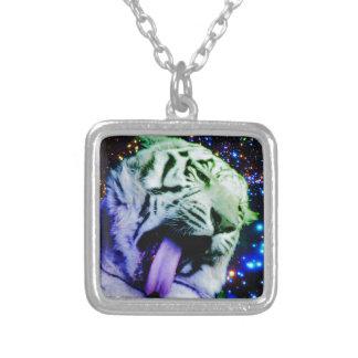 Tigre del arco iris collar plateado