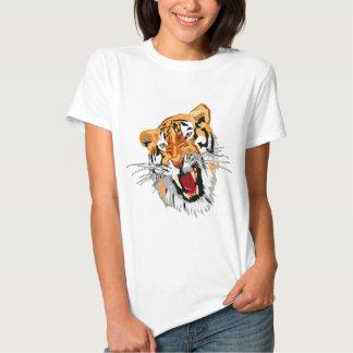 Tigre del rugido con los dientes agudos del camisetas