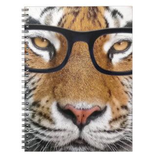Tigre en vidrios cuaderno