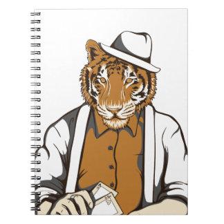 tigre humano con los naipes cuaderno