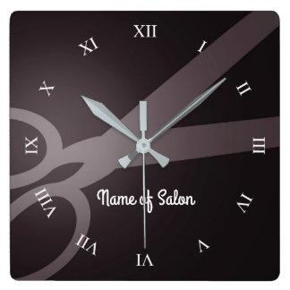 Tijeras el | salón de Brown oscuro y de pelo del Reloj Cuadrado