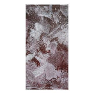 Tinta blanca en fondo rojo tarjeta