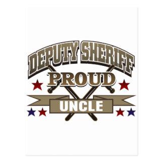 Tío orgulloso del ayudante del sheriff postal