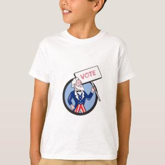 Tío Sam que lleva a cabo el dibujo animado del Camiseta