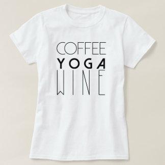 Tipografía elegante del vino el   de la yoga del camiseta