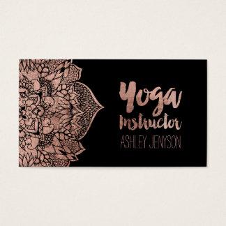 Tipografía floral de la yoga de la mandala del tarjeta de negocios