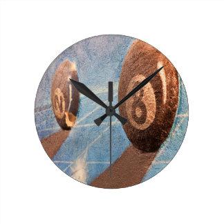 Tirado del ejemplo de las bolas de billar en la reloj redondo mediano