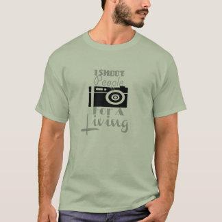"""¡""""Tiro a la gente para"""" una camiseta viva!"""