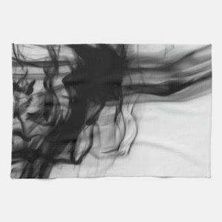 Toalla de cocina negra del fuego II del artista