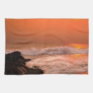 Toalla de mano de las ondas que se estrella
