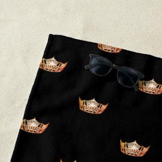 Toalla de playa anaranjada de la corona de Srta.