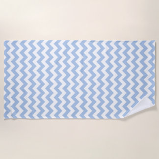 Toalla de playa azul clara y blanca del zigzag