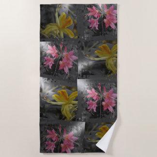Toalla De Playa Delicado, rosado, amarillo, flores