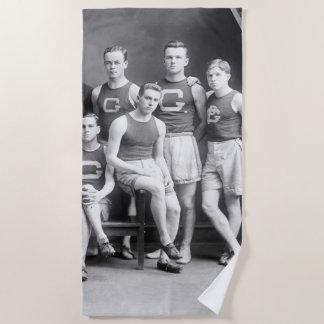 Toalla De Playa Equipo 1910 de pista del equipo universitario