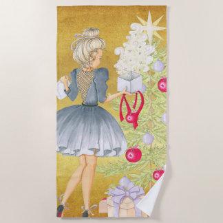 Toalla De Playa Magia del navidad - Blonde que adorna un árbol
