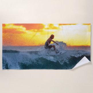 Toalla De Playa persona que practica surf en la puesta del sol