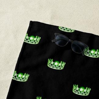 Toalla de playa verde de la corona de la Srta. los