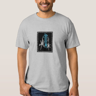 Tocado, máscara y bebidas espirituosas de la camiseta