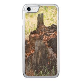 Tocón de árbol viejo funda para iPhone 8/7 de carved