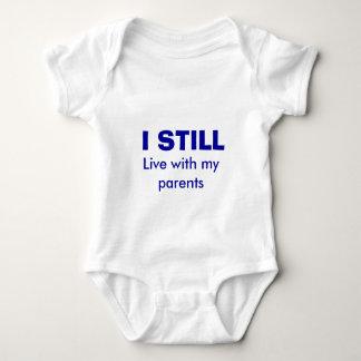 Todavía viva con mis padres camisetas