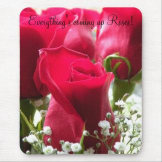 Todo es rosas que suben alfombrilla de ratones