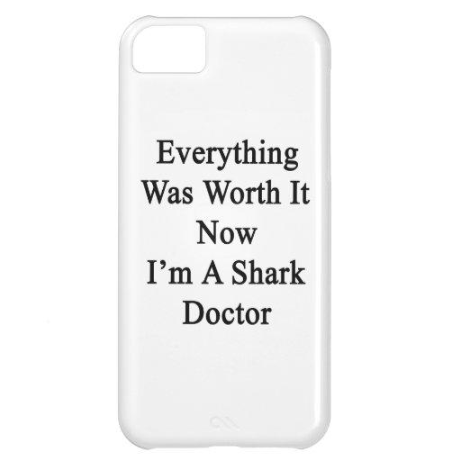 Todo lo valió ahora que soy doctor del tiburón