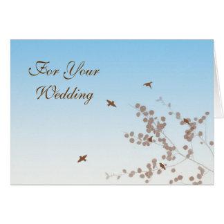 Tomar la invitación de boda del vuelo