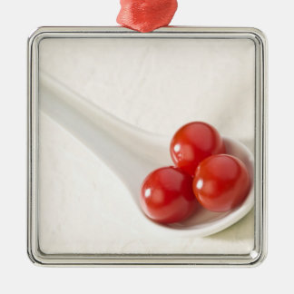 Tomates de cereza 3 adorno cuadrado plateado