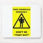 Tome las sustancias químicas seriamente tapete de ratones
