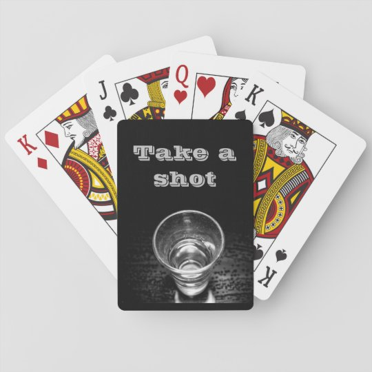 Tome un tiro, vaso de medida baraja de cartas