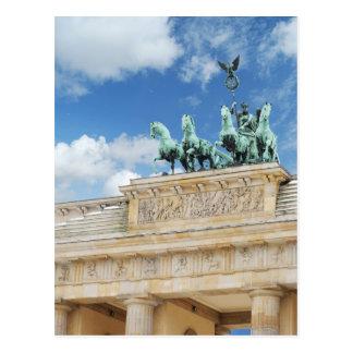 Tor de Brandeburgo en Berlín, Alemania Postal
