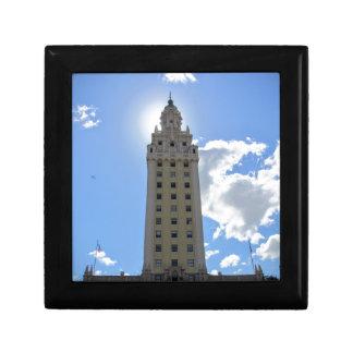 Torre cubana de la libertad en Miami 4 Joyero