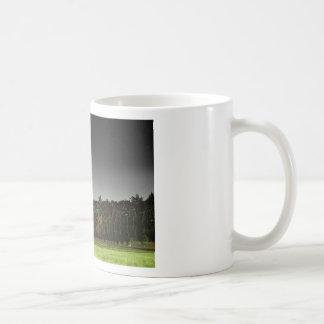 Torre del cementerio taza de café